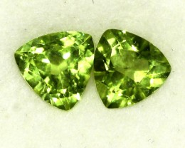 2.23 CTS PAIR OF TRILLIANT CUT PERIDOT GEMS (ST8596)