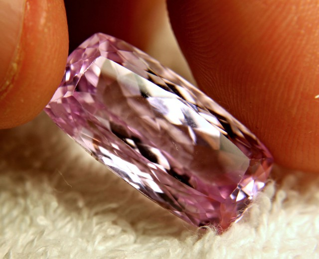 Kunzite gemstone information