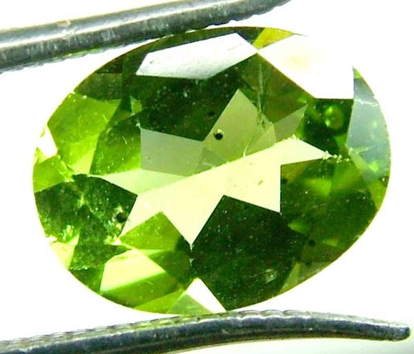 PERIDOT FACETED STONE 1.85 CTS PG-695
